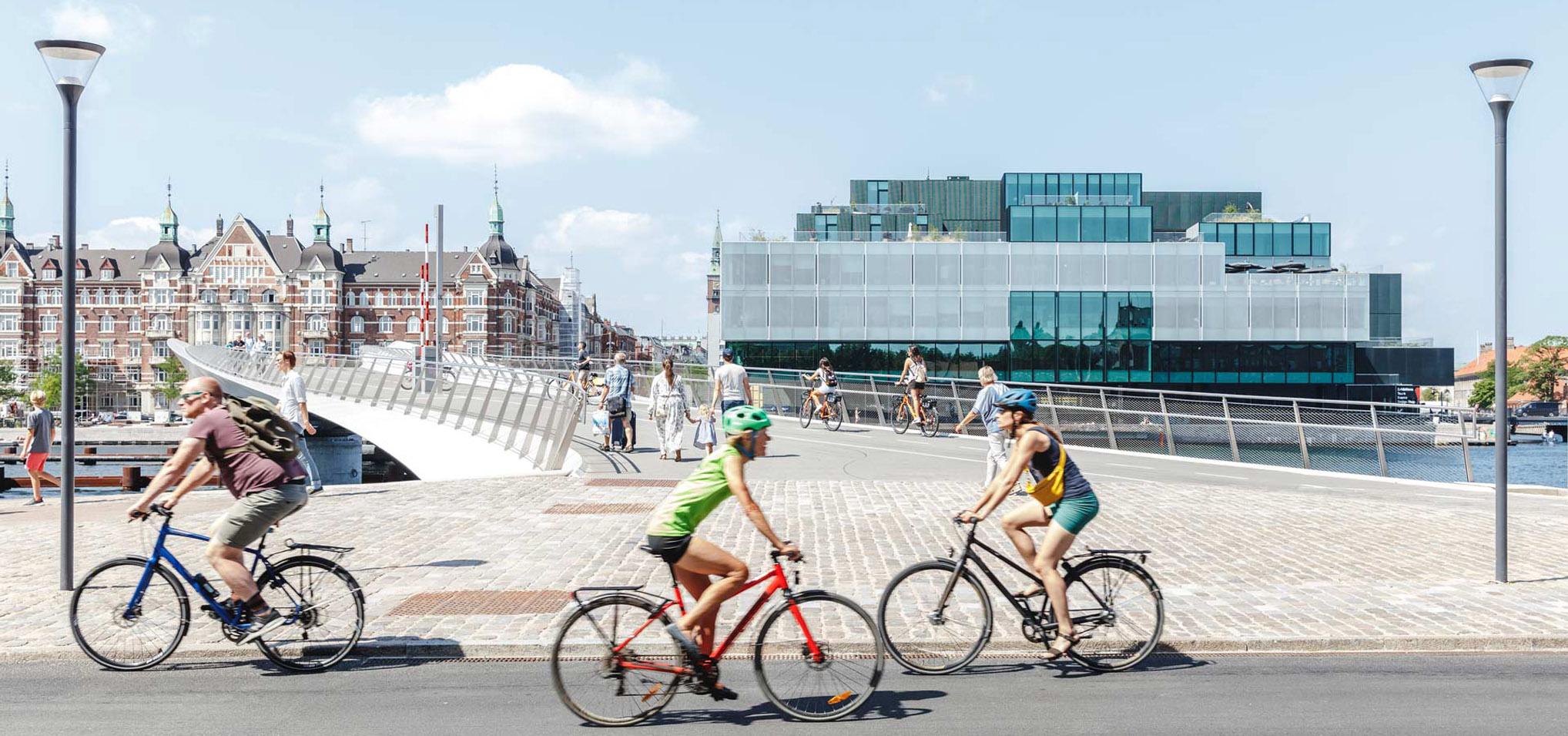 Instituttet for Fremtidsforskning flytter til BLOXHUB og laver strategisk satsning på fremtidens byer